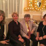 Сотрудники «Школы Шехтера «Живой язык» с юбиляром И.Ю.Шехтером
